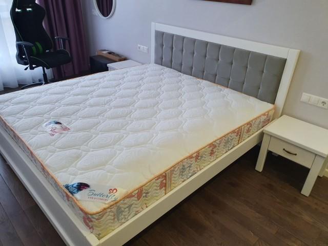Елегантне ліжко «Мадрид М50» з міцного букового щита