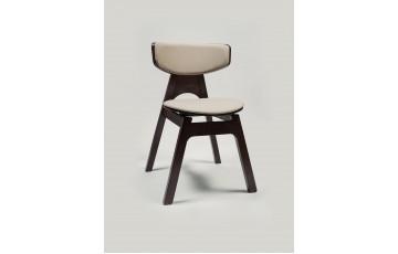 «Густав» — дерев'яний стілець із сучасним дизайном