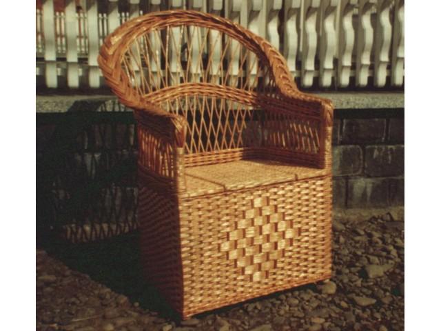 Крiсло плетене з лози Тумбочка